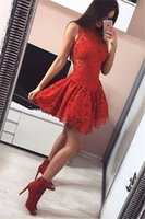 niedliche rote kleider schnürsenkel groihandel-Süße rote Spitze kurze Heimkehr Kleider ärmellose Mini Prom Party Kleider Graduation Dresses Plus Size Nach Maß