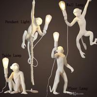 ingrosso corda nera per ciondoli-Moderna nero scimmia corda della canapa di moda luce del pendente semplice arte Nordic repliche in resina Seletti Hanging Scimmia lampada