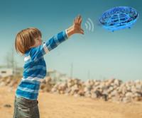 aeronave ufo venda por atacado-Corpo humano Sensor Infravermelho Suspensão de Aeronaves UFO Gesto de Controle Inteligente Indução Drone Brinquedo Criativo DHL frete grátis