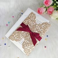 convites de casamento roxos imprimíveis venda por atacado-Luxo Rose GoldConvites de Casamento Convites Convites de Graduação Convites com Borgonha Corte A Laser Quinceanera Doce 16