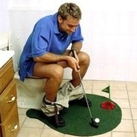 töpfchen putter wc golf spiel großhandel-Potty Putter Toilette Golf Spiel Mini Golf Set Toilette Golf Putting Neuheit Spiel für Männer Frauen Toilette Unterhaltung Sport Spielzeug Neu