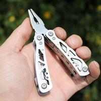 alicates de cuchillos múltiples al por mayor-Multi Función de Bolsillo Plegable Herramientas Alicate Cuchillo Abrebotellas Destornillador Al Aire Libre Portable Alicates de Combinación de Acero Inoxidable ZZA483