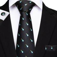 gravata de seda de champanhe venda por atacado-Oi-Gravata New Classic Gravata Set Champagne Padrão Preto 100% Artesanal Laços De Seda para Homens Casuais Terno de Luxo Festa de Casamento N-7078