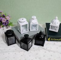 ingrosso piccole lanterne bianche-Portacandele in metallo bianco nero piccolo Lanterna in ferro da sposa candelabri candelabri lanterne lanterna moderna decorazione della casa