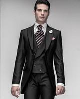 pantalones negros brillantes para hombre al por mayor-Nuevo Shiny Black One Button Groom Tuxedos Peak Lapel Mens Blazer Ropa de boda Traje de baile (Chaqueta + Pantalones + Chaleco) XF216