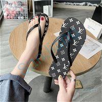 Wholesale ladies flat slip shoes resale online - Women Summer Outfits Flip flops Fashion Printed Flat Non slip Flip flop Slippers Ladies Indoor Sandbeach Flat with Slipper Shoes D22807
