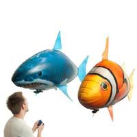 ingrosso giocattoli gonfiabili di pesce-Novità 1PCS Remote piano di controllo dell'aria di volo dello squalo del pagliaccio Pesce Palloncini festa di compleanno giocattoli gonfiabili dell'elio RC scherza il regalo del robot