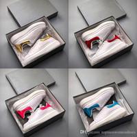 zapatos casuales de hombres de piel de vaca mocasín al por mayor-Mejor diseñador Zapatos casuales Mujeres Hombres Hombres Estilo de vida diario Skateboarding Zapato de lujo Plataforma para caminar Entrenadores Personalidad Entrenador