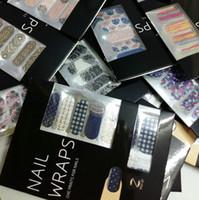 tırnak sanatları etiket şeritleri toptan satış-Yüksek Kalite * Parlak Tırnak Wrap Sarar Çıkartması Sparkle Glitter Nail art Şeritleri Sticker Patch Folyo Yama İpucu İpuçları Çıkartmaları Dekorasyon YENI tasarımlar