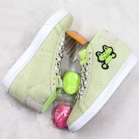 zapatos de ranas al por mayor-SB High Frog Skateboards Blazer Mid Skateboard Shoes 2019 Fashion Designer Sport Sneakers Green Suede Casual Shoes