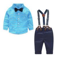 bebekler kravat kravat toptan satış-Çocuk Giysi Tasarımcısı 2018 Sonbahar Bahar Yenidoğan Bebek Setleri Bebek Giyim Beyefendi Takım Elbise Ekose Gömlek Papyon Pantolon Askıya 2 adet Suits