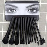 ingrosso 12 set eyeliner-2019 vendita calda Mac / Kylie pennello trucco fondotinta in polvere fard Eyeliner pennelli trucco high-tech strumenti per il trucco 12 pz / set regalo di Natale