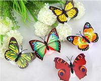ingrosso case a farfalla per bambini-Hot 10 pezzi adesivi murali colorato incandescente farfalla LED luci notte luce adesivi murali 3D casa decorazione della casa autoadesivo regalo per bambini