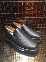 vestido de novia caja de barco al por mayor-Venta al por mayor -Casual Fashion arena classic Black Leather with spikes business shoes mens dress wedding shoes 39-46size with box envío gratis