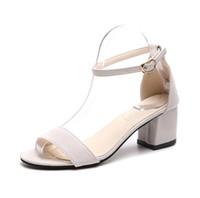 chaussures en daim coréen achat en gros de-Été nouvelles sandales coréennes femmes épaisses avec une sandale avec une boucle avec des chaussures sauvages chaussures romaines sandales d'étudiant