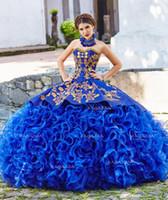 kraliyet askısız quinceanera elbiseleri toptan satış-Kraliyet Mavi Balo Quinceanera Elbiseler Straplez Boyun Boncuklu Basamaklı Ruffles Tatlı 16 Elbise Organze Aplike Maskeli Abiye