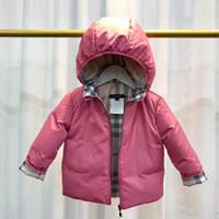doppelseitige verschleißjacke großhandel-1-6 Jahre neue doppelseitige Abnutzung Mädchen Baby Daunenjacke mit Kapuze Entendaunen Plaid Daunenjacke Mantel Kinderkleidung Marke