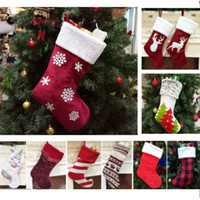 meilleur sapin rouge achat en gros de-Sacs de cadeau de Noël de bas de Noël Chaussettes décoratives de Noël Sacs Sacs flocon de neige renne rayé arbre de Noël imprimé HH9-2293