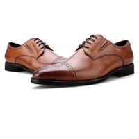 ingrosso scarpe marrone grooms-Fashion Brown / Black Oxfords Mens Wedding Groom Dress Shoes Scarpe da lavoro in vera pelle Scarpe da uomo maschili