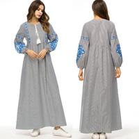 arapça kadın abaya toptan satış-Vestidos 2019 Bahar Çizgili Abaya Dubai Türkiye Arapça Müslüman Başörtüsü Elbise Abayas Kadınlar Katar BAE Robe Türk İslam Giyim