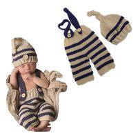ingrosso ragazza neonata foto outfits-Vestiti del costume della foto del bambino Ragazzi appena nati Ragazzi Photography Prop Crochet Knit in generale Pantaloni + cappello 2pcs Sets Abiti a righe