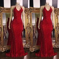 vestido de baile longo com pérolas vermelhas venda por atacado-2019 Vermelho Espumante Lantejoulas Sereia Longos Vestidos de Baile Halter Frisado Backless Sweep Train Formal Vestidos de Noite Do Partido