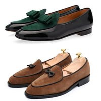 chaussures en velours achat en gros de-Designer Italien Hommes Mocassins En Velours Avec Tassel Arc Slip Sur Chaussures Plates Mocassins Mâle Robe Casual Chaussures De Bal De Grand Taille 39-46 ert