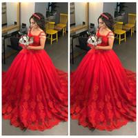 heiratkleid rot großhandel-2019 Spaghetti A-Line Red Brautkleider Spitze Appliques Sweep Zug Lange Brautkleider Formale Nahen Osten Dubai Robe De Marriage Benutzerdefinierte