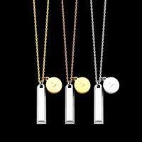 collar de oro de 14k con letras al por mayor-Collar de mujer de joyería de diseñador de lujo Collar colgante doble de acero de titanio con collar de letra en V redondo rectangular para hombre 14k cadenas de oro