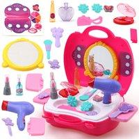 spielzeug plastik fall großhandel-Pretend Play Make Up Toy 21pcs / set Bilden Set Friseur-Simulation Plastikspielzeug für Mädchen, die Kosmetiktasche Carry Case kleiden