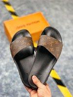 italya 38 toptan satış-2019 İtalya Kadın Erkek Slaytlar Yaz Lüks Tasarımcı Plaj Kapalı Düz G ayakkabı Marka Erkek Sandalet Terlik Ev Çevirme Spike