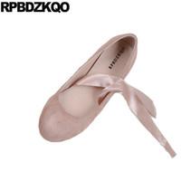 zapatillas de ballet con cordones al por mayor-Mori Girl Bailarina de Ante Japonés Lace Up Pink Chinese 2019 Soft Ballet Flats Mujeres Zapatos de Mujer China Primavera Otoño Punta Redonda