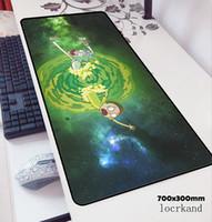 fare paspası toptan satış-Rick ve morty mouse pad 70x30 cm oyun mousepad anime Sevimli ofis notbook masası mat HD desen padmouse oyunları pc oyun paspaslar