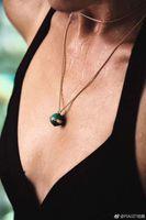 collar de la naturaleza rojo al por mayor-Nueva llegada de la moda necklqce ball con collar colgante de diamantes en 85 cm de longitud naturaleza ágata roja y piedra verde para las mujeres joyería de la boda
