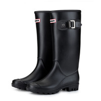 boot zieht groihandel-Designer-Frauen warm gefütterte Regen Stiefel Winter-Blockabsatz Buckles Anti-Rutsch-runde Zehe-Pull-on-isolierten Wellington Hochwasserdicht