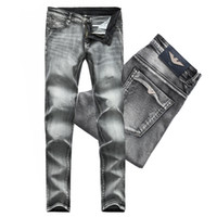 ingrosso jeans scarni di grandi dimensioni-Big Size 38 Nuovo arrivo 2019 Europa Applique Jeans a jeans leggeri Uomo Skinny Slim Jeans elastici Hiphop lavato