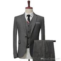ingrosso tuxedos di sposo grigio-Grigio / Nero / Blu Navy Abiti da uomo per matrimonio 2019 Risvolto con risvolto Smoking da sposo in tre pezzi (giacca + pantaloni + gilet)
