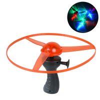 fliegen räder spielzeug großhandel-Großes geführtes glühendes fliegendes UFO-Rad spielt multi helle Pfeil-Hubschrauber-Fliege der Farben-LED spielt Kindergeschenke 25 * 25cm Durchmesser
