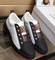 ingrosso vestito classico degli uomini-Stile europeo di cuoio genuino Moda uomo scarpe casual classico modello maschile scarpe casual guida affari vestito scarpe 654