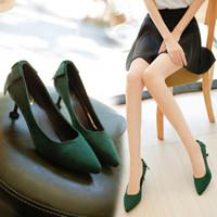 зеленые пятки оптовых-Тонкий каблук с заостренными высокими каблуками зрелого лета 2019 новые замшевые красные свадебные туфли темно-зеленые рабочие туфли на низком каблуке