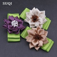 бисер для украшения одежды оптовых-SUQI Fashion glass  Ribbon Hand-folded rose Women's Brooches pin Jewelry Sun Flowers bow Brooch Pins clothes Decoration
