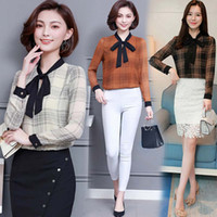 блуза длинный рукав корея оптовых-Woman Elegent Long Sleeve Blouses Korea OL Office Lady Chiffon Blouses Shirt Plaid Shirts Tie Neck Blouse Ladies Tops Plus Size