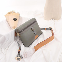 Wholesale women postman bags for sale - Group buy new3889 Messenger small postman bag for slanting women tote bag suitable for the fashionable choice of daily life x18x4CM