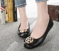 пуговицы для обуви оптовых-Модная женская обувь для вождения на металлической кнопке на каблуке. Туфли из мягкой кожи, свадебные туфли на плоской подошве.
