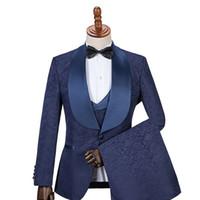 sıska erkekler için yelekler toptan satış-Yeni Groomsmen Şal Yaka Damat Smokin Yan Vent Erkekler Düğün İyi Adam Suits Blazer (Ceket + Pantolon + Papyon + Yelek)