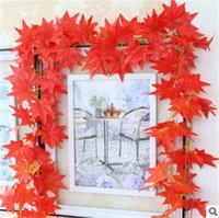 blumendecke großhandel-Dekorative Blumen-rote Ahornblatt-Kränze reine Handarbeit-Wand-hängende Plastikblumen-Efeu-Pflanzen-Conduit Abgehängte Decke Blumenzucht 3 1cl