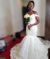 свадебное платье цветочное плюс размер оптовых-Сексуальная русалка африканские свадебные платья с плеча старинные кружева 3D цветочные черные девушки Нигерия арабская страна плюс размер свадебные платья