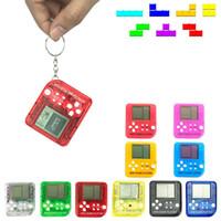 chaveiro do brinquedo do estresse venda por atacado-Portátil Mini Retro Clássico Tetris Game Console Chaveiro LCD Handheld Game Players Anti-stress Brinquedos Eletrônicos Chaveiro