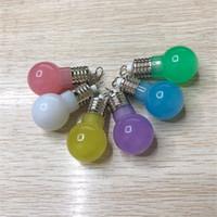 boncuk anahtarlıkları toptan satış-Renk Değiştirme Led Işık Mini Ampul Torch Anahtarlık Anahtarlık boncuk anahtarlık kolye lamba noel hediyeler için çift anahtarlık çocuklar oyuncaklar