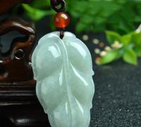 jadeblatt anhänger großhandel-Eine Ware hellgrün lässt Jade Anhänger natürliche Myanmar Jade Männer und Frauen Modelle Jade Anhänger mit Zertifikat
